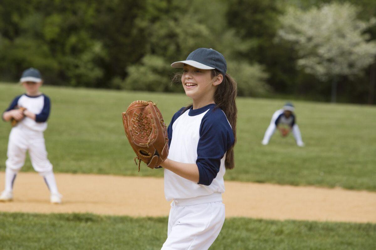 hand sports injuries softball